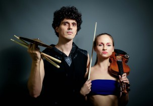 Live Show Musik Olga - violin and loops Marino Colina - drums
